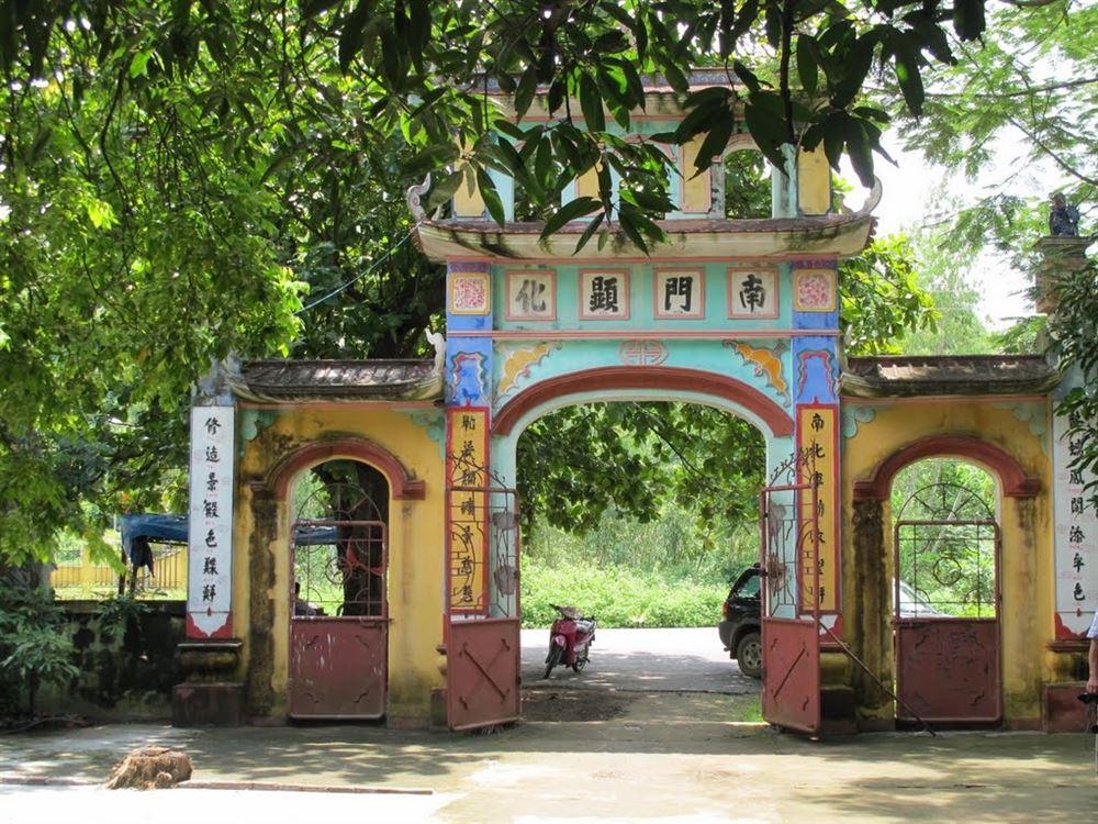 Đền thờ Các Bà ở xã Hiền Hào