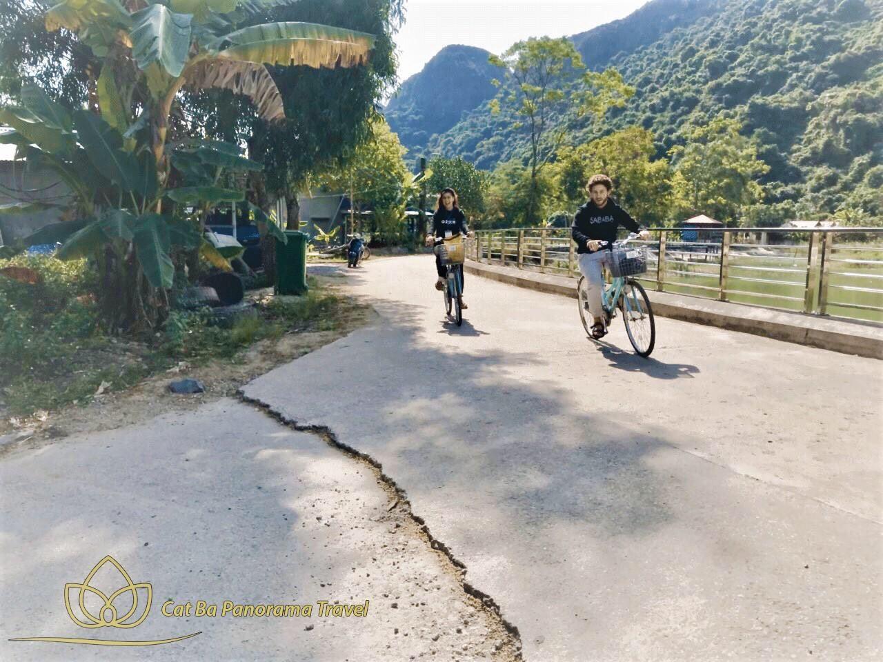 Đạp xe vào làng 1