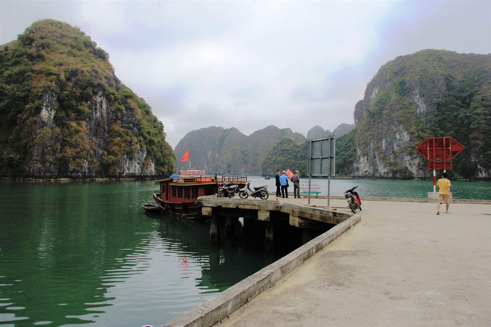 Viet Hai wharf